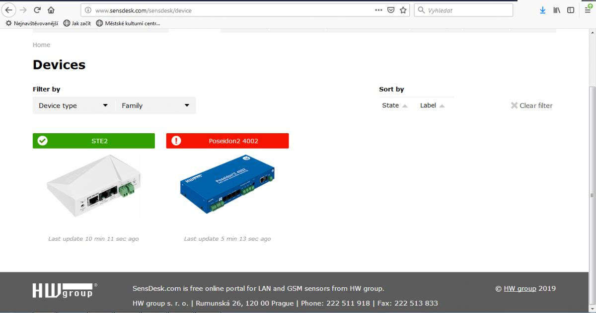 Připojte síťový kabel s dodanou ochrannou průchodkou RK45 ke střídači.